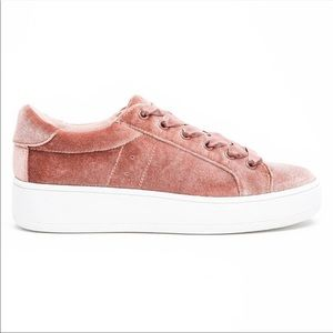 Steve Madden Bertie pink velvet shoes with laces